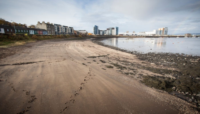 Green Tease: Edinburgh's Shoreline